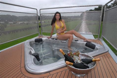 motorhome with bathtub futuria luxury motorhome xcitefun net