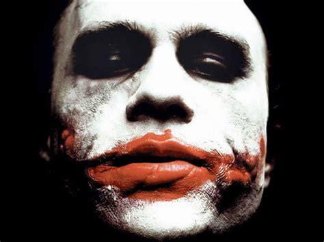 Heath Ledgers Joker Looks Familiar by Look At Jared Leto S Damaged Joker