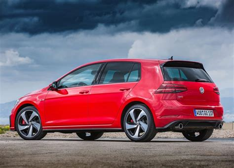 Revealed: Performance Pack for 2017 Volkswagen Golf GTI
