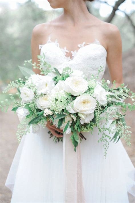 Wedding Bouquet Classes by Best 25 White Bouquet Ideas On White