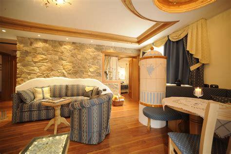 divani per hotel divani rustici ignifughi per hotel loran salotti