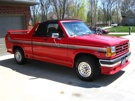 This Customized 1991 Ford Ranger Pickup Can Go Top Down