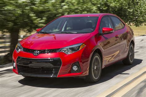 2014 Toyota Corolla S Features 2014 Toyota Corolla S Front View In Motion Photo 13
