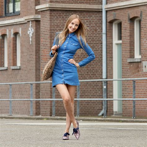 how to wear a denim dress the