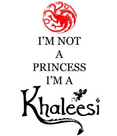 libro im not with the camiseta i m not a princess chica juego de tronos vistoenpantalla