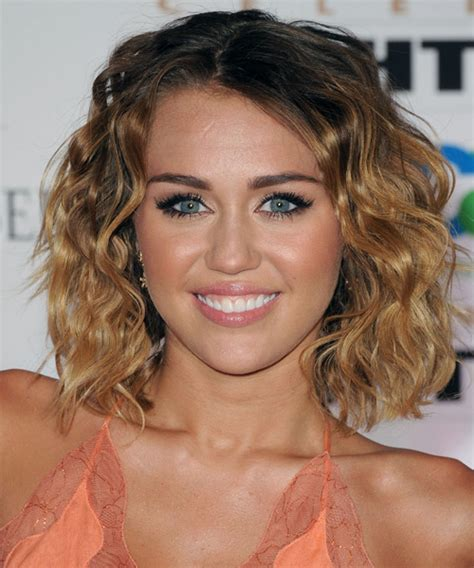 how to style miley cyrus hairstyle miley cyrus medium wavy casual bob hairstyle dark brunette
