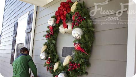 tips  outdoor christmas decorating fleece fun
