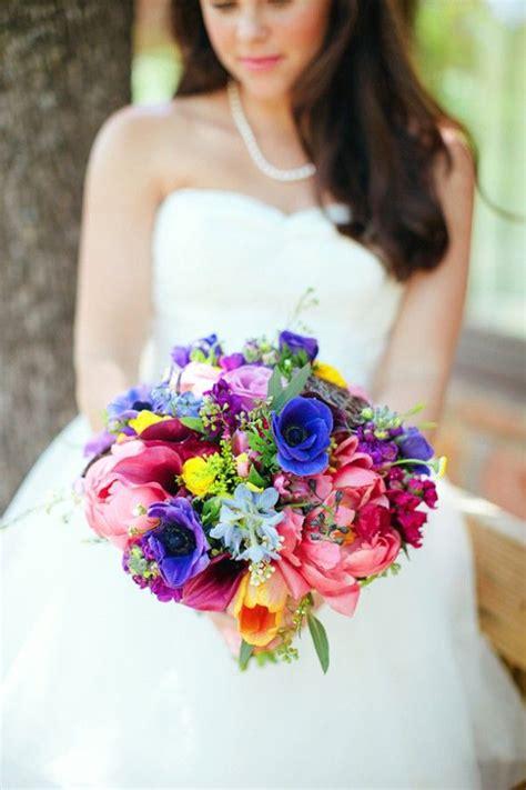 Bouquet colorato: Il bouquet da sposa perfetto per un