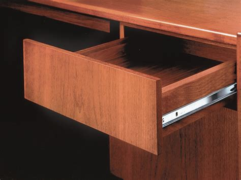 Accuride Center Mount Drawer Slides by Accuride 2132 Zinc Drawer Slides Accuride 2132