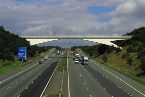the motorpany motorway in een weg voor motoren http upload