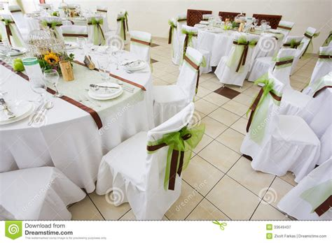 beautiful table settings green and brown an image of tables setting at a luxury wedding hall