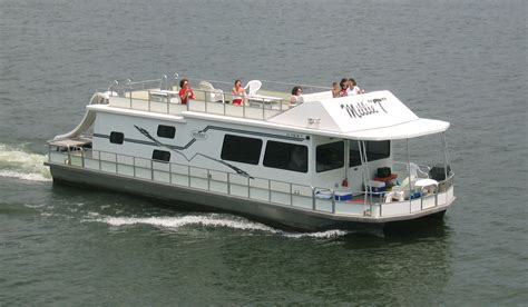 boat rental vacations smith mountain lake houseboat rentals at parrot cove boat