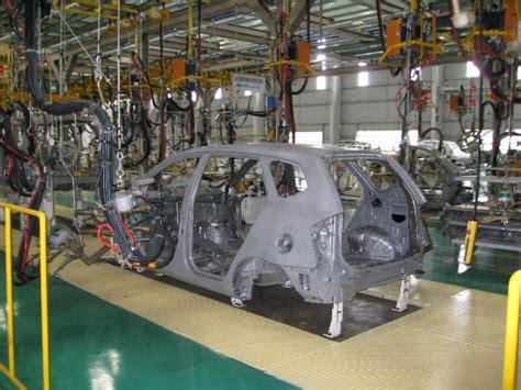 fabrika otomotiv montaj hatti arabalar makine otomobil
