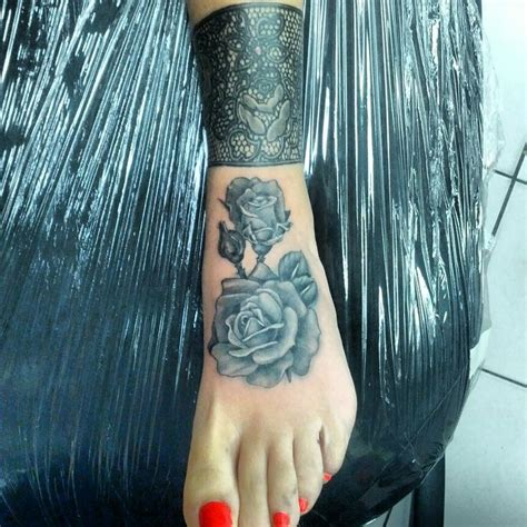 lotus tattoo johnny truant flowers lace tattoo what i do pinterest