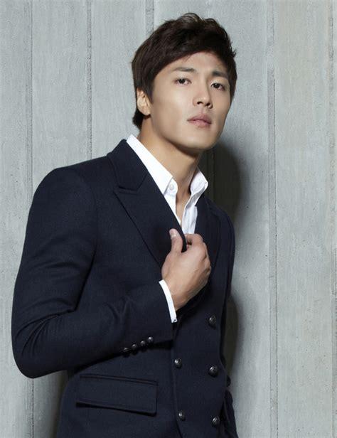 download film drama korea queen of ambition actor lee jae yoon joins the cast list of queen of