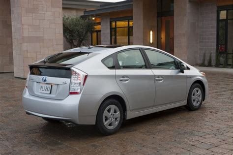 will japanese power problems mean fewer 2011 toyota prius cars