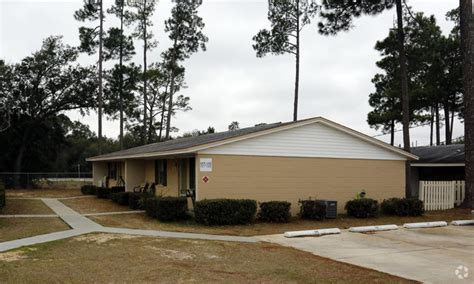 2 bedroom apartments pensacola fl hilburn apartments rentals pensacola fl apartments com