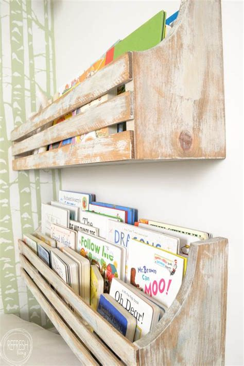 Wall Mounted Bookshelves by Best 25 Wall Mounted Bookshelves Ideas On