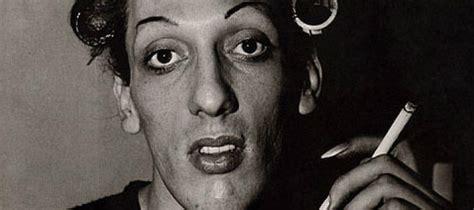 biography photographer diane arbus monovisions