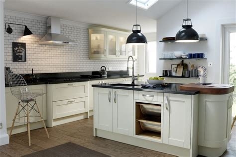 Wren Kitchen Designer by Wren Kitchens Shaker Alabaster Timber