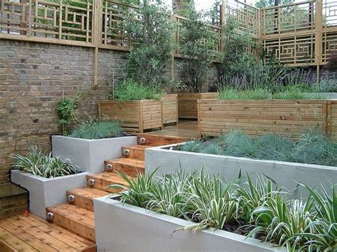 Split Level Garden Ideas Split Level Garden Trellis In A Modern Http Gardendesigncollections
