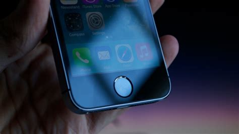 youtube tutorial iphone 5s touch id fingerprint scanner sensor on the new iphone 5s