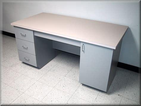 Custom Desk Tops by Rdm Custom Desks Image Gallery