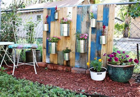 Diy Vertical Garden Pallet Diy Vertical Pallet Garden Outdoortheme