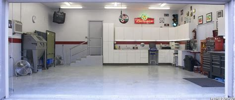 Finished Garages Interior by Finished Garage With Light Gray Walls Garage Interiors