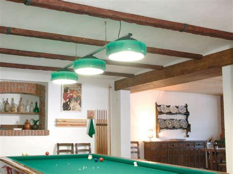finte travi in legno per soffitti 17 migliori idee su travi in finto legno su