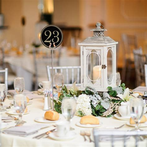 dressing up wedding tables celebrate centerpieces