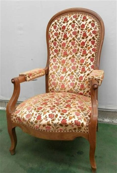 prix d un fauteuil voltaire ancien fauteuil voltaire a cr 233 maill 232 re en noyer fauteuils si 232 ges puces priv 233 es