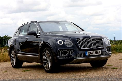 bentley suv bentley bentayga suv 2016 photos parkers
