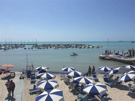 hotel bagni lido vada wakker worden en de zee zien liggen foto de hotel bagni