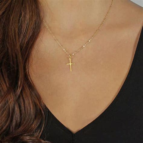 cadenas de oro religiosas cadena de oro collar de cruz peque 241 a cruz de oro joyer 237 a