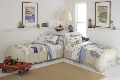 roses and rust bedrooms for 25 best ideas about bed placement on pinterest rug