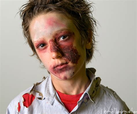 tutorial heridas zombie maquillaje halloween ninos zombie heridas maquillajerossa