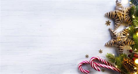 wallpaper natal cantik kumpulan gambar dekorasi pohon natal keren untuk