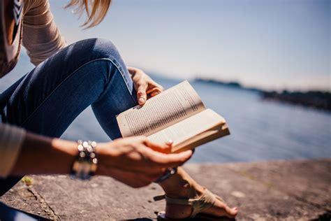 libro portraits crachs un fotos gratis agua libro persona gente ni 241 a sol mujer fotograf 237 a lago leyendo verano