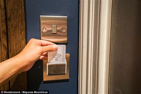 next door to hotel billede af key resort spa key west tripadvisor hotel hack you use any card to activate your room s lights daily mail