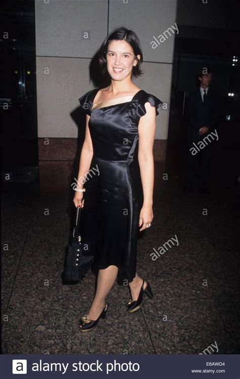 jennifer jason leigh young photos phoebe cates the 3rd young friends of film honors jennifer