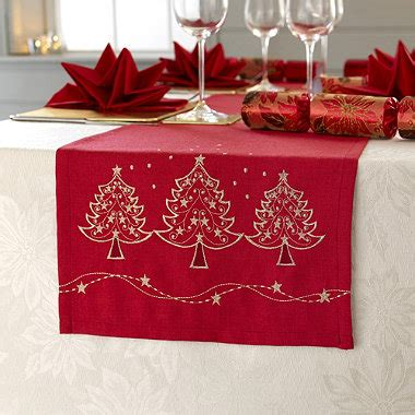 christmas tree runner in placemats and table linen at lakeland
