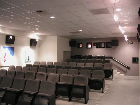 aidikoff screening room dv 5000u press release