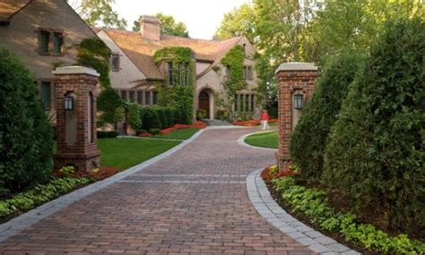 How To Improve The Look Of A Driveway House Driveway Designs