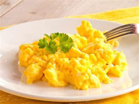 come cucinare le uova strapazzate come cucinare le uova 7 cotture diverse comeunafenice