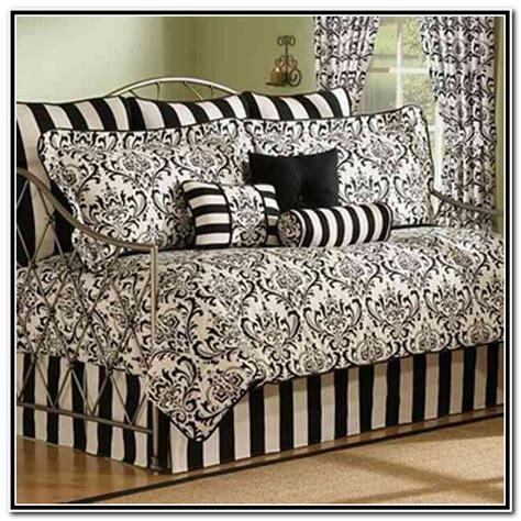 what size comforter for daybed 20 reasons to buy black daybed bedding sets interior