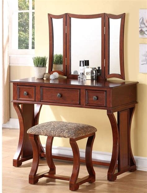 Antique Treasures Bedroom Vanity Set At Hayneedle 25 Beste Ideen Bedroom Vanity Set Op