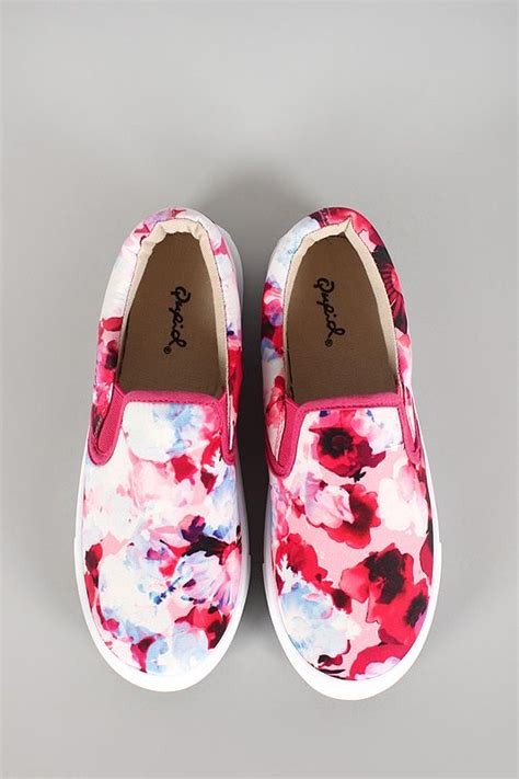 Sepatu Vans Flower Black 43vf 25 best ideas about slip on on vans slip on