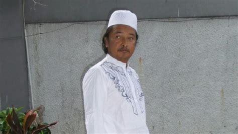 Irwan Koko penilan ayah marshanda dengan pakaian koko serba putih tribunnews