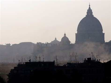 rome air rome and milan ban cars from roads in battle against air